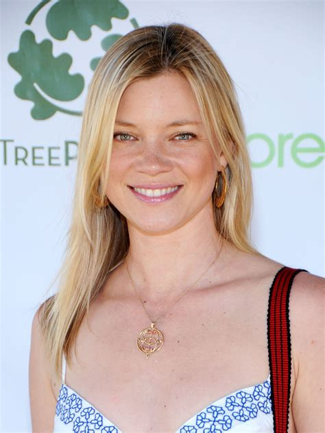 amy-smart-at-kick-off-event-for-may-2010-03 | GotCeleb