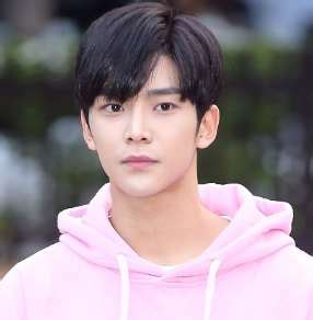 Rowoon Birthday, Real Name, Age, Weight, Height, Family