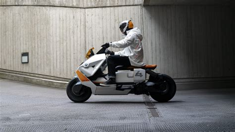 BMW Motorrad Definition CE 04 sit-on eScooter works for